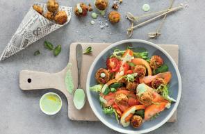 insalata di pomodori e polpettine di lenticchie oli del benessere